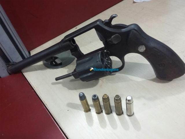 Dois são detidos por posse ilegal de arma de fogo e munições em Porto Velho