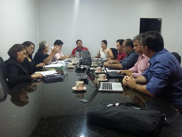 SINPRO-RO fecha convenção coletiva com mais benefícios para os professores