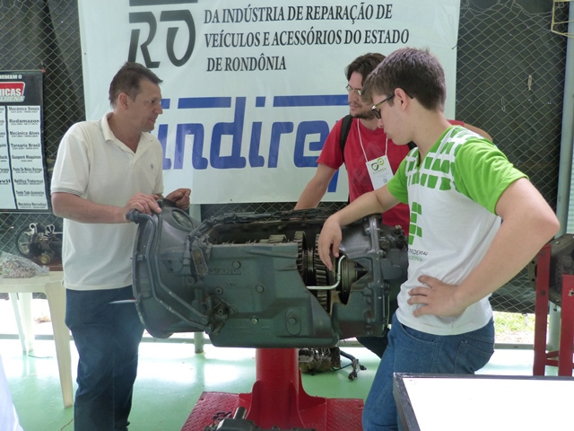 IFRO promove feira de estágio, emprego e negócio