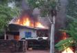 Fotos e vídeo: Garimpeiros incendeiam prédios do Ibama e do ICMbio em Humaitá