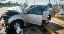 Caminhonete colide de frente com carreta na BR-364 e motorista morre no local