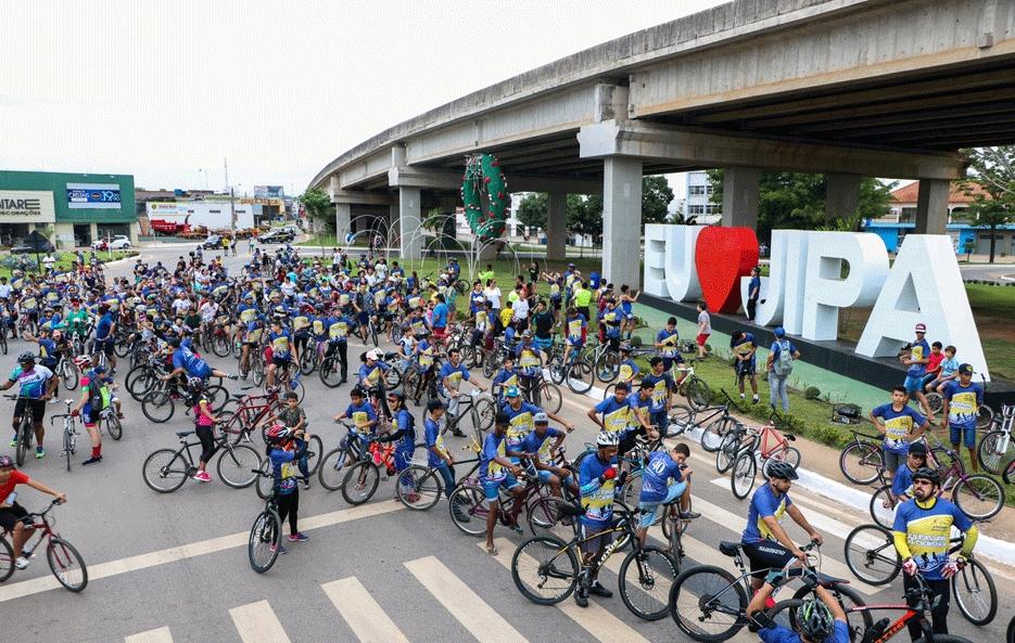 Mais de 500 pessoas participam de passeio ciclístico para celebrar aniversário de Ji-Paraná