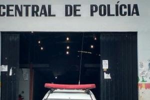 Homem é detido por populares após roubar celular de mulher no Centro de Porto Velho