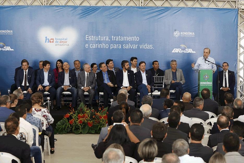 Temer inaugura Hospital de Câncer e garante ampliação do aeroporto de Porto Velho