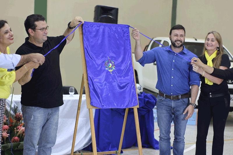Ezequiel Júnior entrega mais de R$ 1 milhão para Educação em Machadinho