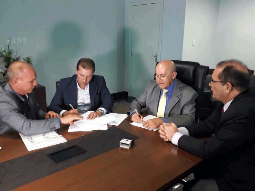 Prefeitura firma parceria com Estado para recapeamento de ruas e avenidas de Porto Velho