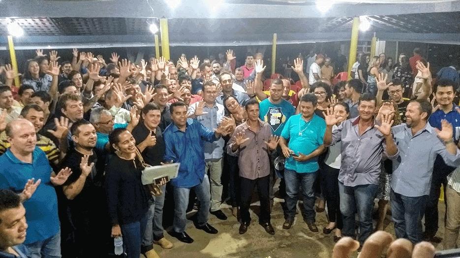 Ezequiel Junior é recebido em festa de filiação no PRB