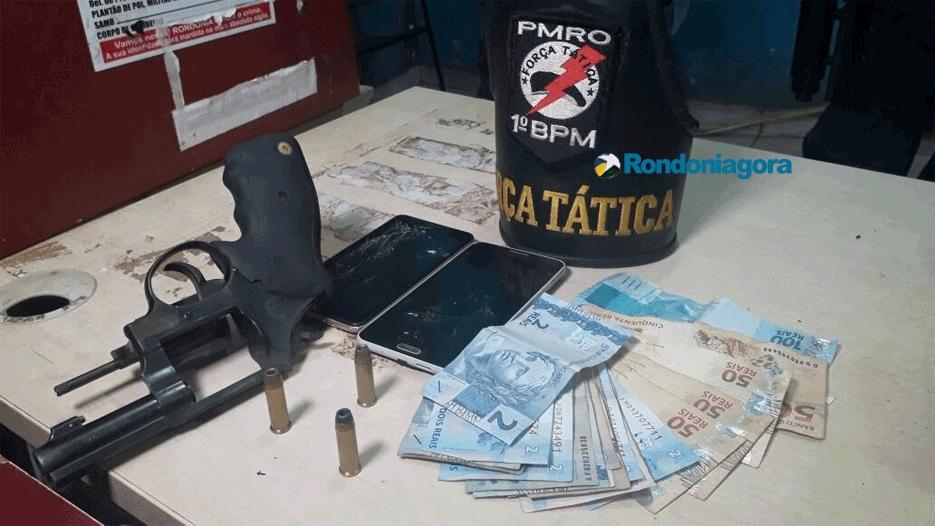 Jovens são presos com arma em veículo na Zona Sul da capital