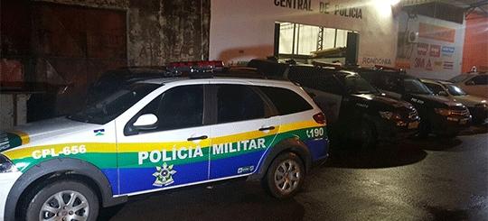 Policial civil fura bloqueio de operação no trânsito e é preso bêbado