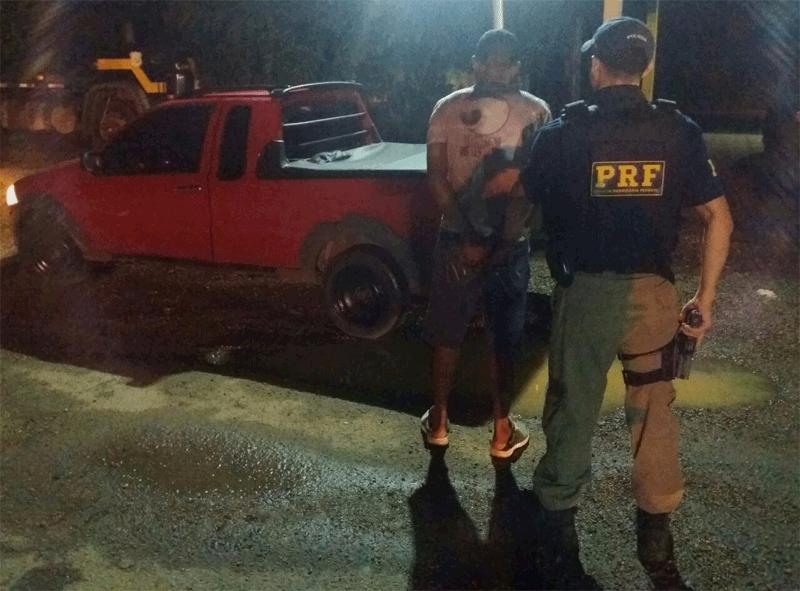 PRF recupera carro roubado em Porto Velho