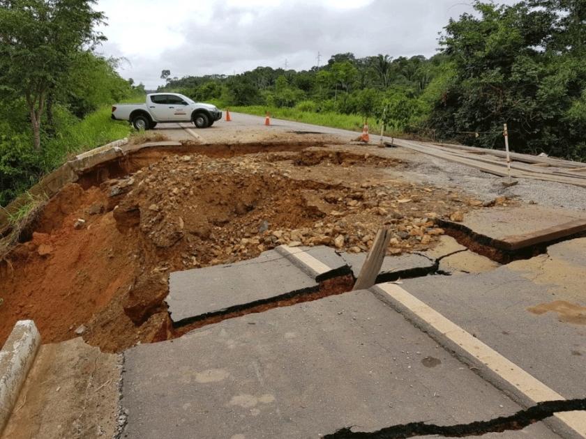 DNIT prevê para janeiro reparação total do local onde cratera foi aberta na BR- 425
