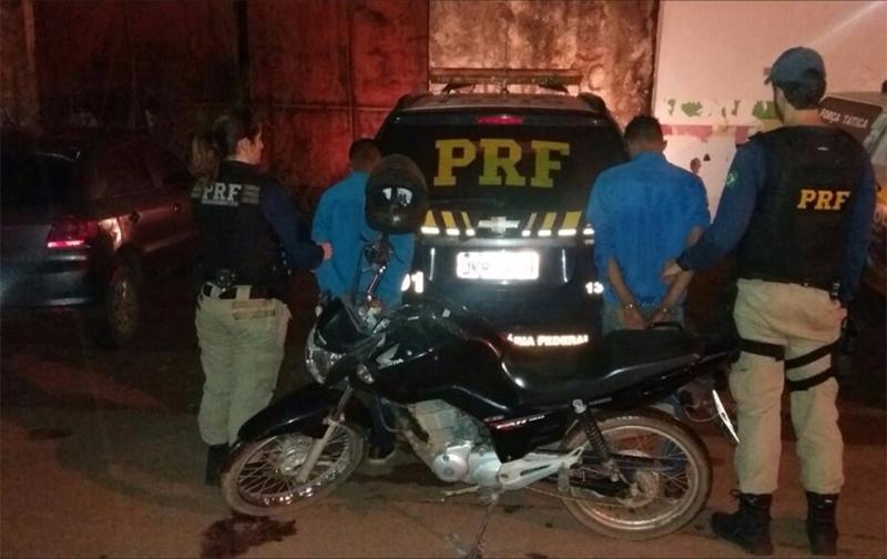 PRF recupera motocicleta roubada por menores em Porto Velho e prende criminosos
