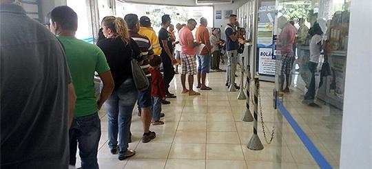 Lotéricas abrem no domingo e supermercados não funcionam na segunda; veja funcionamento de serviços no feriadão