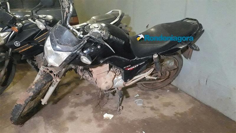 Dupla é presa com moto roubada