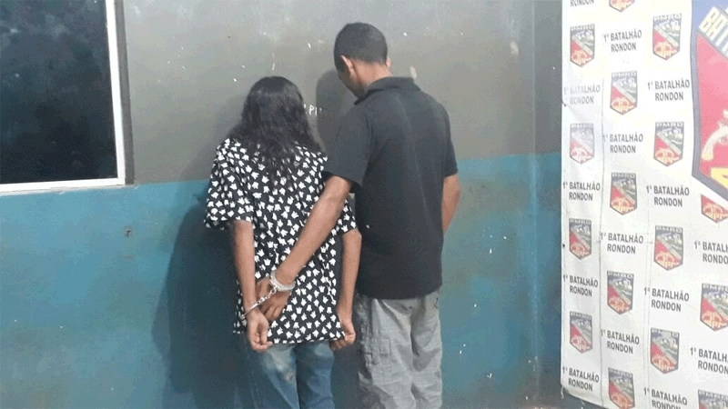 Casal é preso com duas motos roubadas