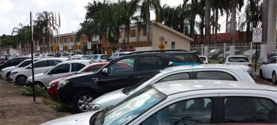 Delegado dá dicas de segurança e alerta que chave reserva deixada no painel facilita furtos de veículos