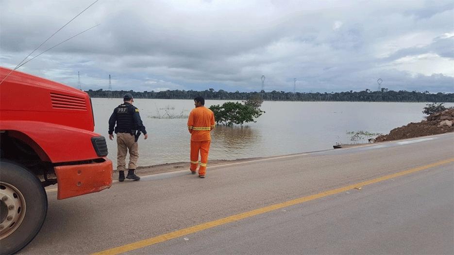 DNIT já realiza trabalhos na área que cedeu na BR-364 em Rondônia, sentido Acre