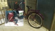 Homem é linchado e amarrado por populares após furtar bicicleta em vila de apartamentos na capital