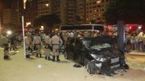 Motorista perde controle e atropela pelo menos 15 pessoas em Copacabana, no Rio