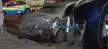 Mulher fica presa às ferragens após colisão entre dois carros em Porto Velho