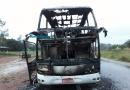 Incêndio destrói ônibus da Eucatur na BR-364