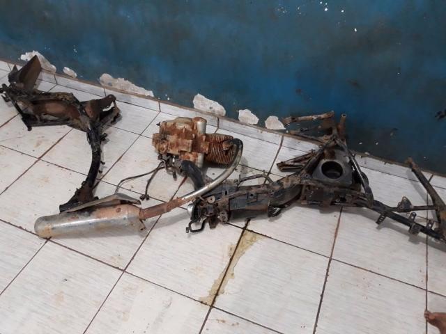 Jovens são detidos com peças de motocicleta em borracharia na Zona Sul da Capital