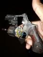 Jovem armado é preso após roubar celular de estudante em frente a escola na capital
