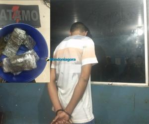 COE prende homem comercializando drogas em praça da Zona Sul
