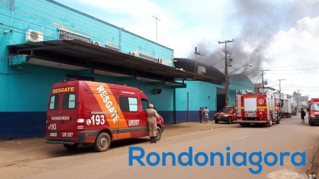 Incêndio atinge supermercado Peg Pag em Porto Velho