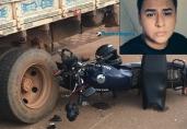 Motociclista morre após colidir em caminhão parado