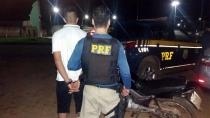 PRF prende quatro motoristas embriagados na BR-319 e recupera moto roubada