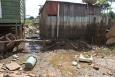 Após nível do Madeira começar a baixar, prefeitura chama atenção para risco de contaminação por lixo