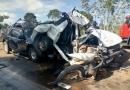 Engavetamento na BR-364 deixa duas pessoas presas às ferragens de veículos; vídeo