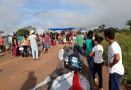 Moradores fecham BR-364 em Vista Alegre do Abunã
