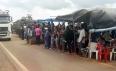 Manifestantes continuam com bloqueio na BR-364 em Vista Alegre do Abunã; vídeo