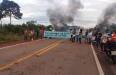 Moradores de Nova Mutum bloqueiam BR-364 e manifestação continua em Vista Alegre do Abunã