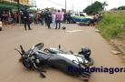 Motociclista morre e esposa fica em estado grave em colisão entre carro e motos na capital