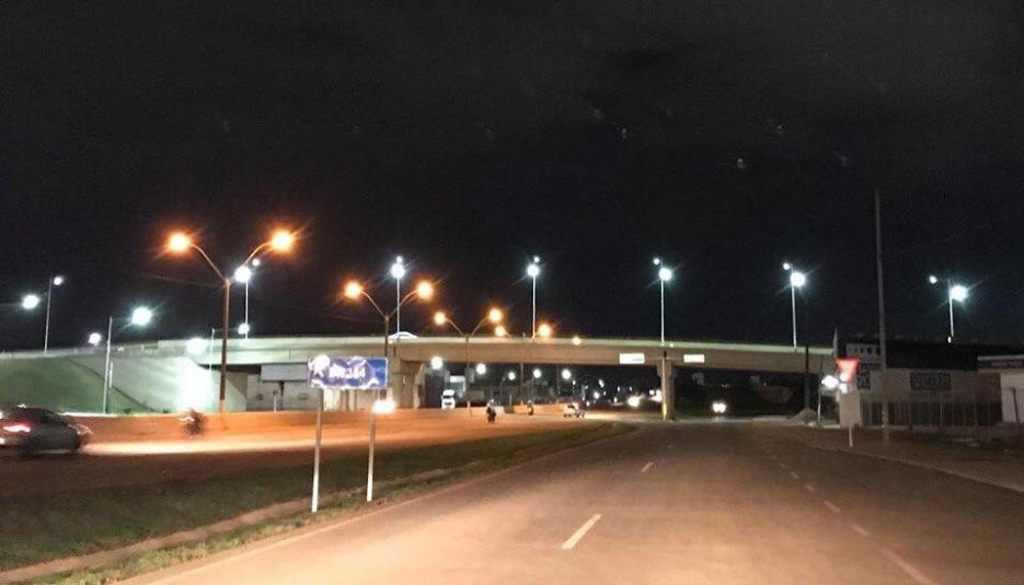 Criminosos furtam fiação e deixam viaduto da Três e Meio no escuro em Porto Velho