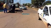 Motorista de carro da Prefeitura causa acidente após tentar fazer contorno em local proibido