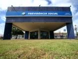 Ministro do STJ manda servidores federais trabalharem em dias de jogos do Brasil
