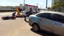 Acidente entre moto e carro deixa uma pessoa ferida