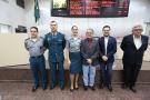 Aélcio da TV homenageia policias militares participantes do Proerd