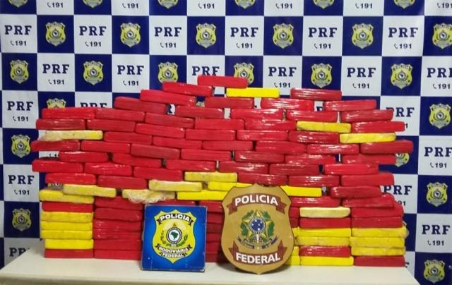Caminhoneiro é preso com 120 quilos de cocaína na BR-364
