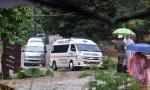 Todos salvos: treinador e 12 meninos são resgatados de caverna na Tailândia