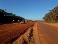 DER inicia asfaltamento de rodovia para acabar com poeira nas proximidades do Hospital de Câncer