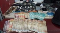 Polícia flagra trio comercializando cocaína em bar na capital