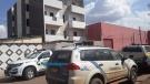 Homem é encontrado morto ao lado de colchão incendiado em prédio em construção