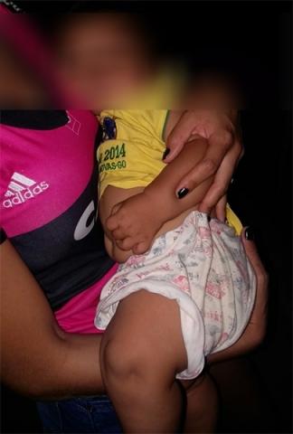 Mãe vai beber e esquece bebê de 7 meses em bar da Capital
