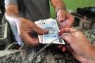 PIS: trabalhador nascido em setembro já pode sacar abono salarial 2017