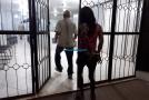Usuária de drogas é presa após furtar panelas e botija de gás para trocar por drogas
